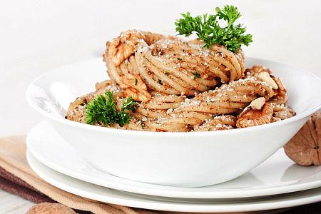 spagety s orechy
