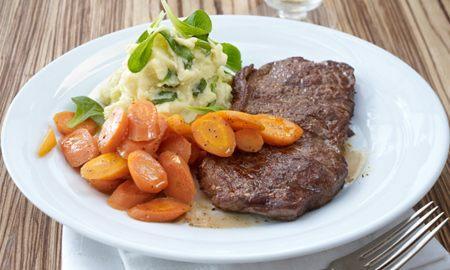 steak s bramborovym pyre