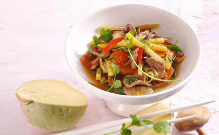 Asijská kachní prsa se zeleninou