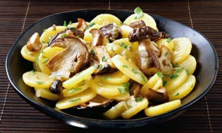 bramborovy salat s houbami