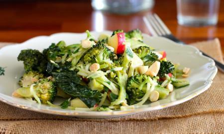 brokolicovy salat s dijonskou horcici