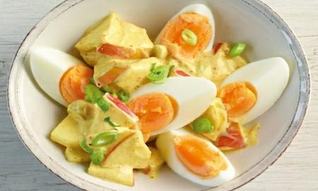 vajecny salat s kari