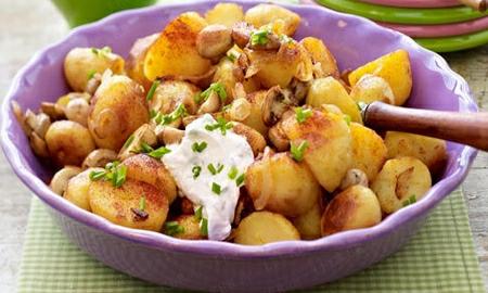 restovane brambory s dipem