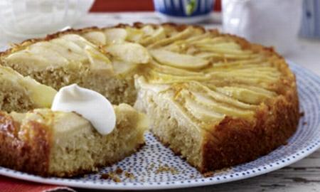 hruskovy kolac s madlemi a kokosem